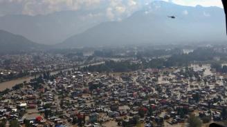 Циклонът Фани отне живота на 15 души в Индия и Бангладеш