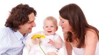Бъбривите родители повишават интелигентността на детето
