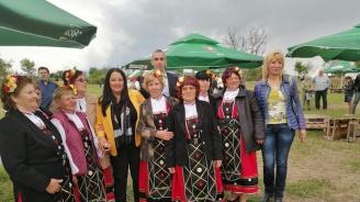 Лиляна Павлова в Еленово: Ние обогатяваме Европа с фолклорното си богатство и сме призвани да го предаваме на поколенията
