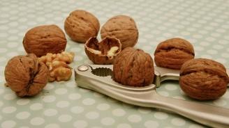 Яжте орехи против високо кръвно