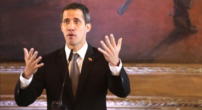 Хуан Гуайдо иска помощта на Пентагона за справяне с политическата криза
