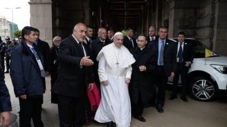 Бойко Борисов изпраща Папа Франциск, който ще отпътува за Северна Македония