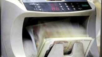 По-ниски цени на преводи в евро вдигат таксите на банките