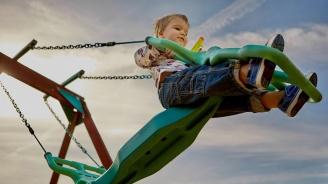 Гуменото покритие на детските площадки често е с високо съдържание на олово