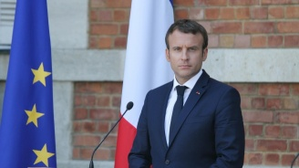 Президентът Макрон оглави тържествата за Деня на победата във френската столица