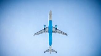 Пътнически самолет за Индия изчезна от радарите над Иран и кацна аварийно