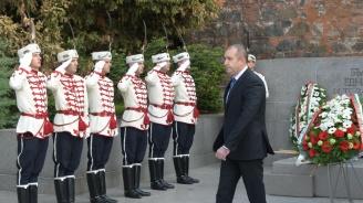 Румен Радев отговори на Борисов: Равно отдалечен съм от всички партии