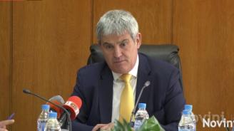 КНСБ: Продавачка трябва да взема 1600 лв., до 3 г. средната заплата трябва да е 1000 евро