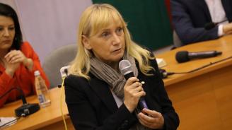 """Елена Йончева: Няма да позволим Летище """"София"""" да бъде дадено на концесия в ущърб на националния интерес"""