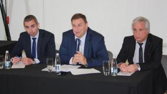 Кандидатът за евродепутат от ГЕРБ Емил Радев в Сливен: Настоявам за общи минимални стандарти за гражданското производство в ЕС