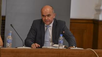 Бисер Петков категоричен: Протестът срещу Националната стратегия за детето няма основание