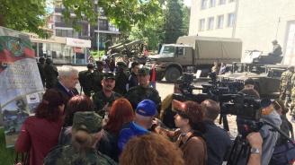 Генерал-майор Михаил Попов с информация за вакантни места за военнослужещи в Сухопътните войски