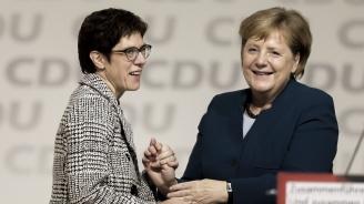 Меркел трябва да довърши мандата си, заяви нейната приемничка