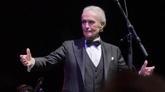 """Хосе Карерас препълни зала """"Арена Армеец"""" за последния си концерт в България"""