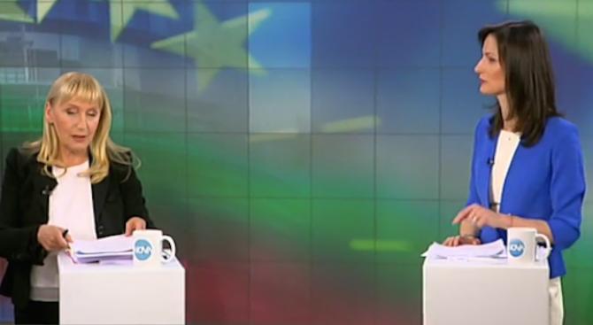 Мария Габриел и Елена Йончева си спретнаха разгорещен спор