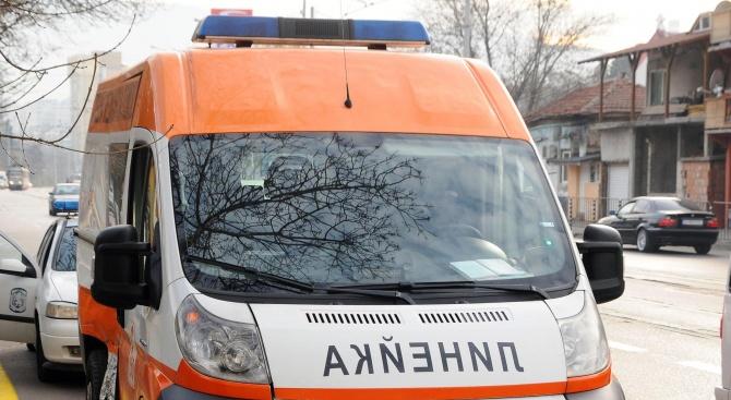 Линейки се разкарват между болниците в опит да настанят за