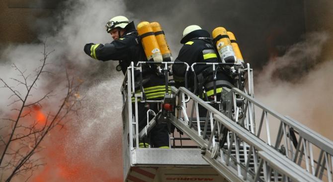 Кораб пламна до бреговете на Испания