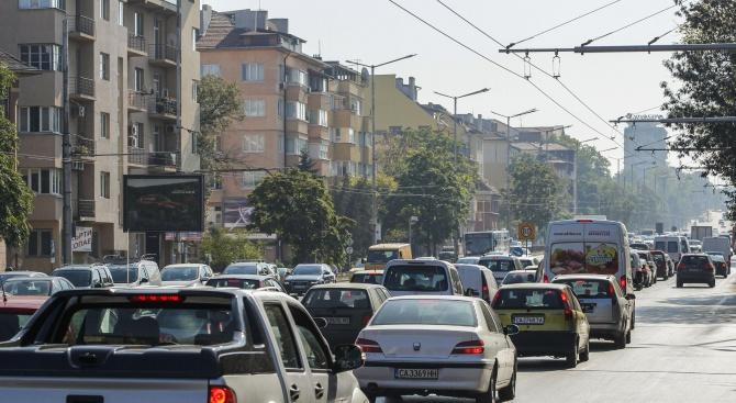"""Огромно задръстване на """"Цариградско шосе"""" в София изнерви шофьорите"""