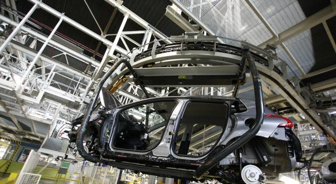 Заплахата на Тръмп срещу европейското автомобилостроене може би всъщност е троянски кон