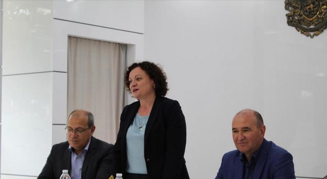 Ивелина Василева: Всеки един човек трябва да усети подкрепата на Европа