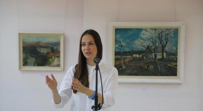 Кандидатът за евродепутат от листата на ГЕРБ и СДС Ева