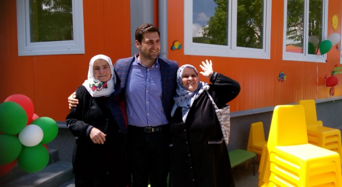 Андрей Новаков участва в откриването на нова детска градина във велинградското село Драгиново