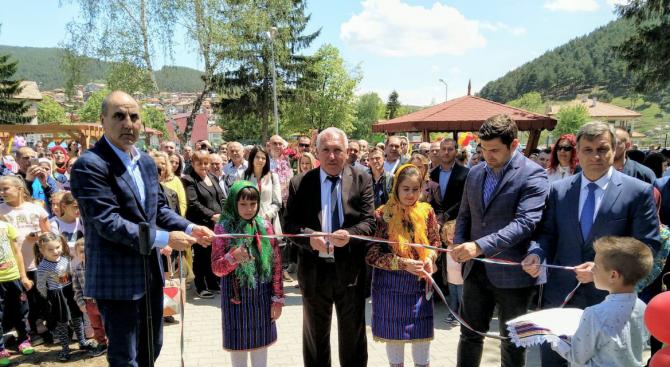 Цветан Цветанов откри нова детска градина в с. Драгиново