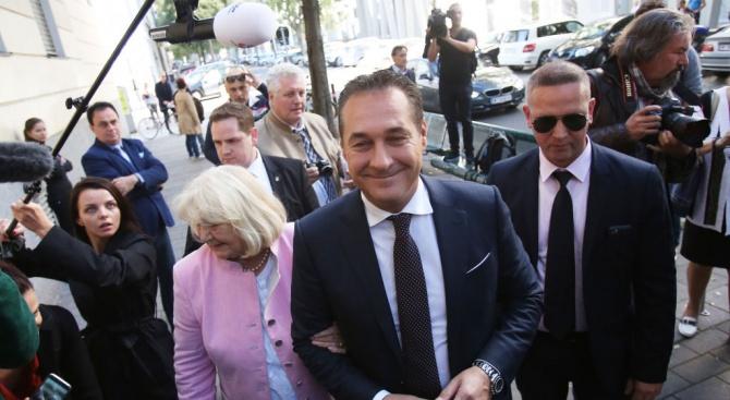 Австрийският вицеканцлер Ханс-Кристиан Щрахе от крайнодясната Партия на свободата съобщи