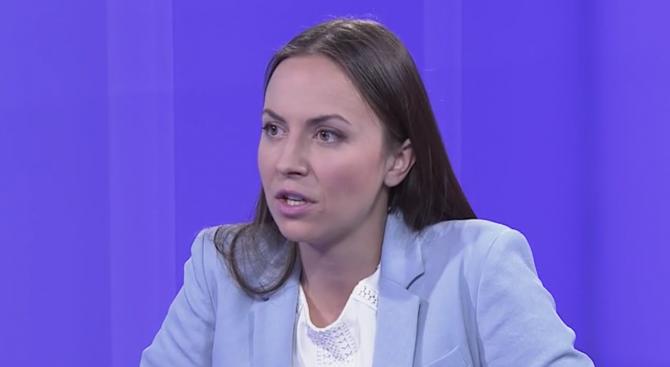 Ева Майдел: Вече съм стигнала до извода, че социалист може да ти обещае всичко