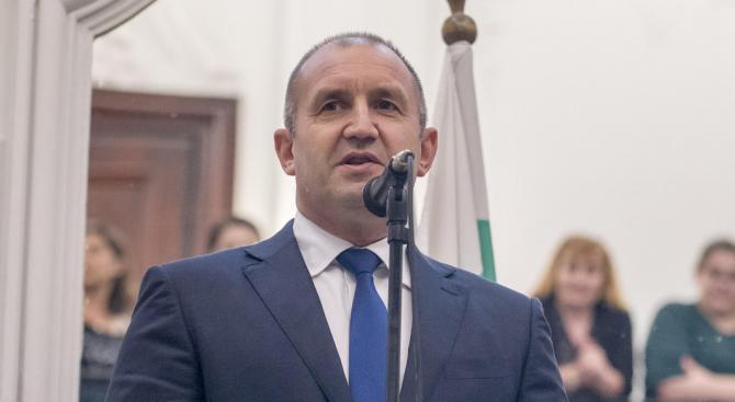 Румен Радев ще присъства на церемонията по дипломиране на бакалаври и магистри на Американския университет в България
