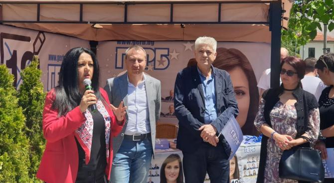 Лиляна Павлова в Дупница: Чрез подкрепата от ЕС малкият и среден бизнес в Дупница ще продължи да се развива