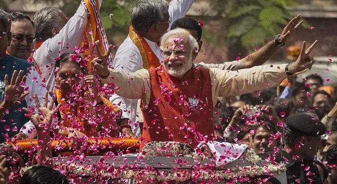 Гласуването в парламентарните избори в Индия приключи днес с последния,