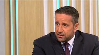Политически анализатор: Румен Радев не е играч на политическия терен, а зрител