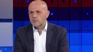 Дончев отговори дали в правителството има министри на Делян Пеевски