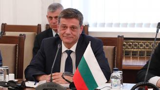 Председателят на Комисията по отбрана: Армията няма да участва в операции на жандармерията