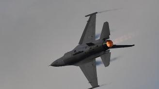 Изтребител Ф-16 се разби в склад край военна авиобаза в САЩ