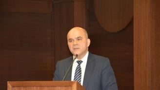 Бисер Петков: Всеки ден обяснявам, че никой няма намерение да отнема деца от родителите им