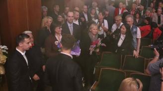Нинова: Борисов си купува спокойствие за 6 млрд. лв., а твърди че няма пари за заплати
