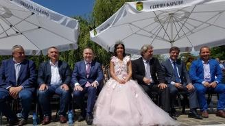 Кандидатът за евродепутат Младен Шишков бе гост на фестивала на Белия щъркел в Белозем и на Празника на розата в Карлово