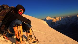 Иван Томов не трябвало да нощува в Лагер 4, каза организаторът на експедицията
