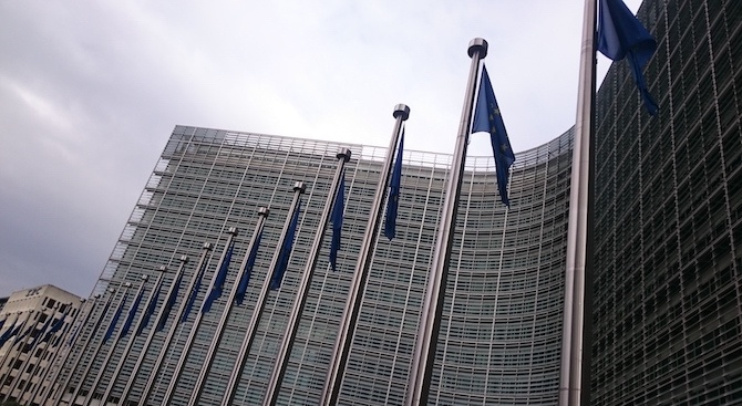 Еврокомисарите, избрани за евродепутати, които желаят да заемат мястото си