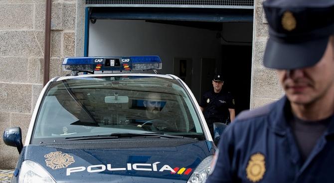 Испанската полиция арестува четирима души като част от разследване за