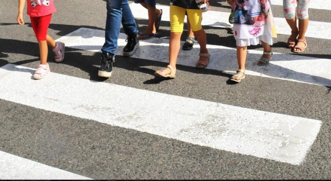Жителите на две села в област Търговище настояват за поставяне на пешеходни пътеки