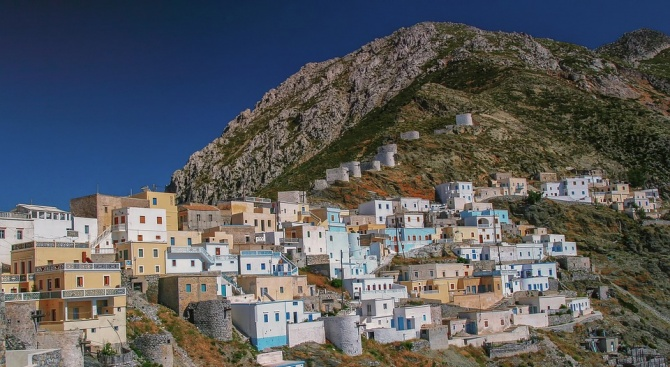 Гръцката спасителна служба проведе мащабна операция за спасяване на 25-годишен