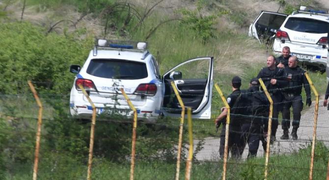 Група афганистанци са задържани в землището на с. Пролеша. Това
