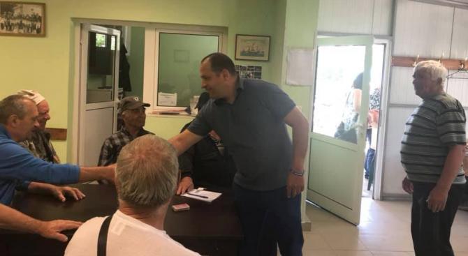 Кандидатът за евродепутат Младен Шишков се срещна с пенсионери в