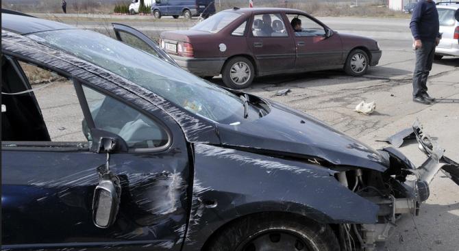 55-годишен криминално проявен мъж противозаконно е отнел лек автомобил, след