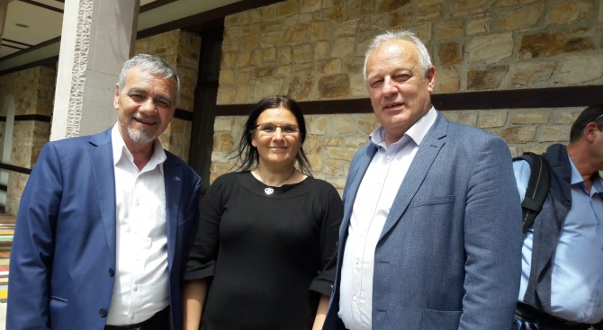 Когато управлява ГЕРБ, България усвоява европейските средства, върви напред и