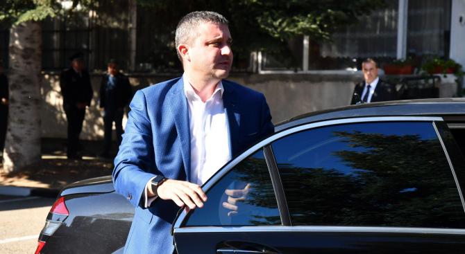 Финансовият министър Владислав Горанов обясни, че преразпределянето на парите за