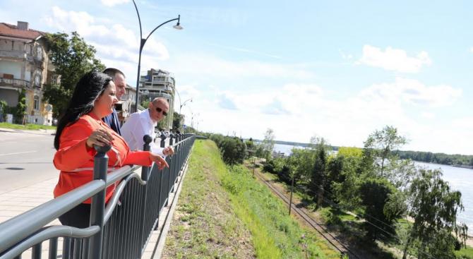 Лиляна Павлова провери напредъка на строителните дейности по два големи европейски проекта в Русе